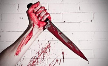 Психически больная девушка зарезала своего собутыльника и ввела следствие в заблуждение.